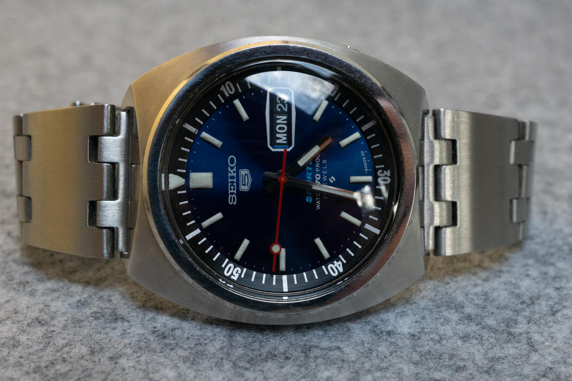 Hands-On Review – Uncle Seiko Vintage Straps