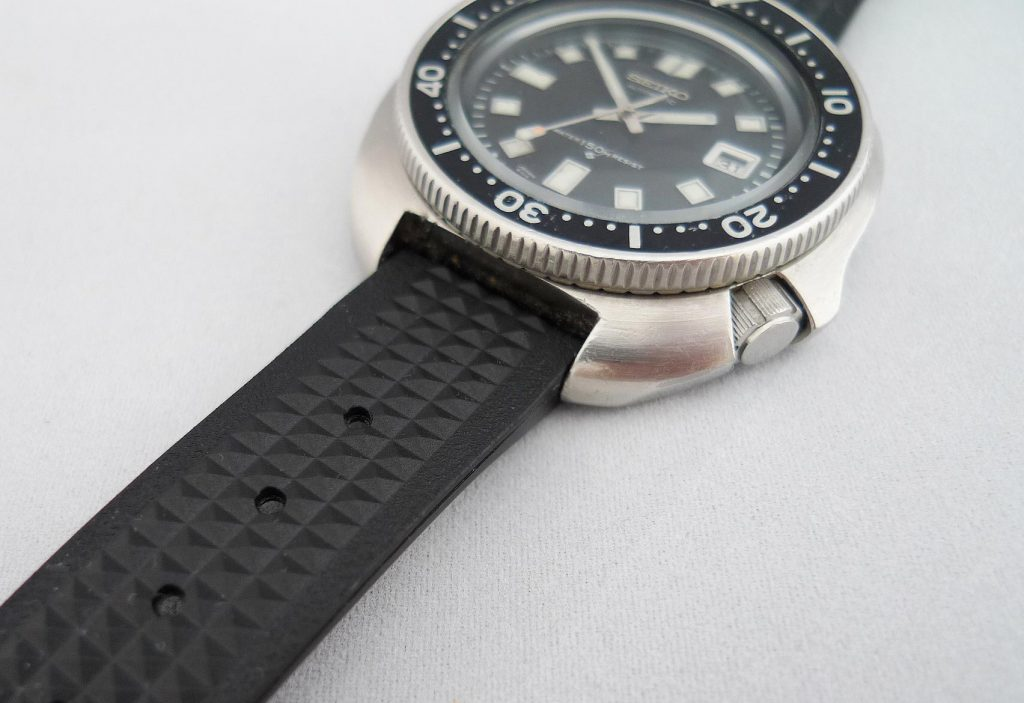 Beyond The Dial Hands On Review Uncle Seiko Vintage Straps